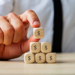 Read more about the article What is the Difference Between a Ponzi Scheme and a Pyramid Scheme?