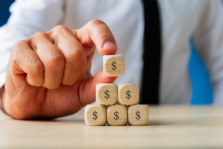 difference between ponzi scheme and pyramid scheme